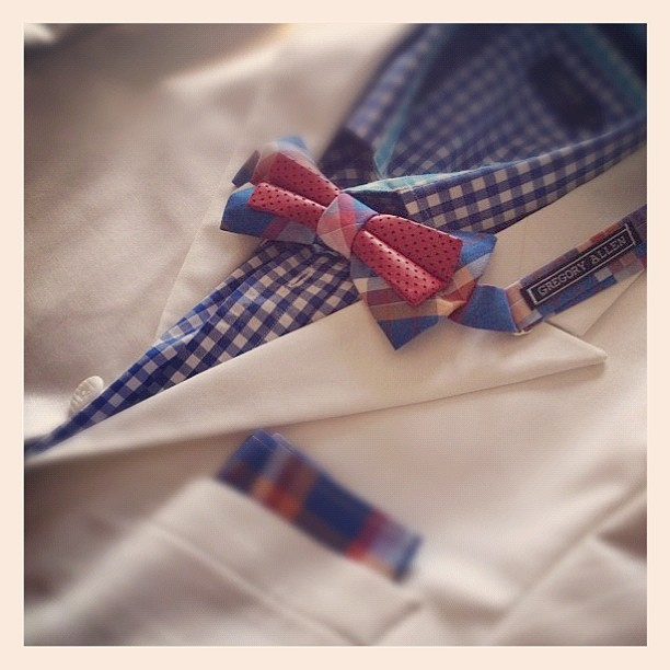 GAC : another happy customer.. #gac #gregoryallencompany #bowtie #pocketsquare – via Instagram