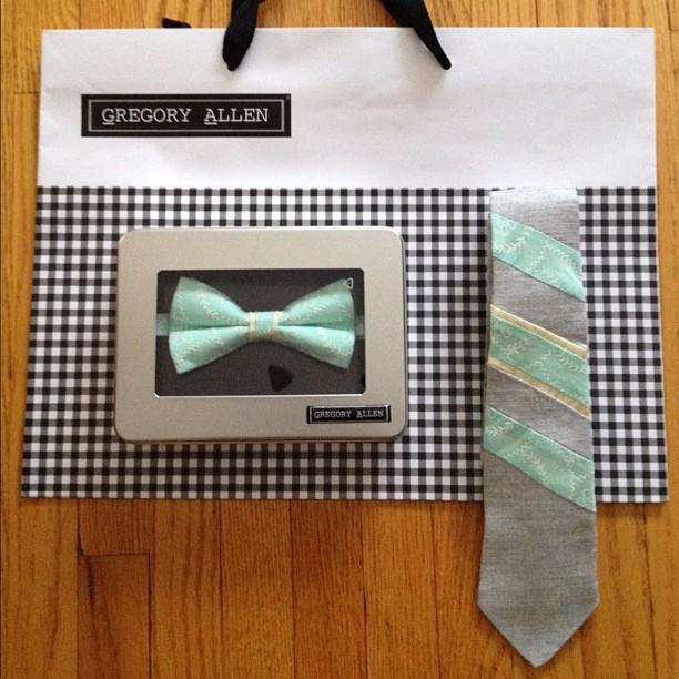 GAC : wedding bow tie and tie #weddings #bowtie #tie #gac #gregoryallencompany #classy – via Instagram