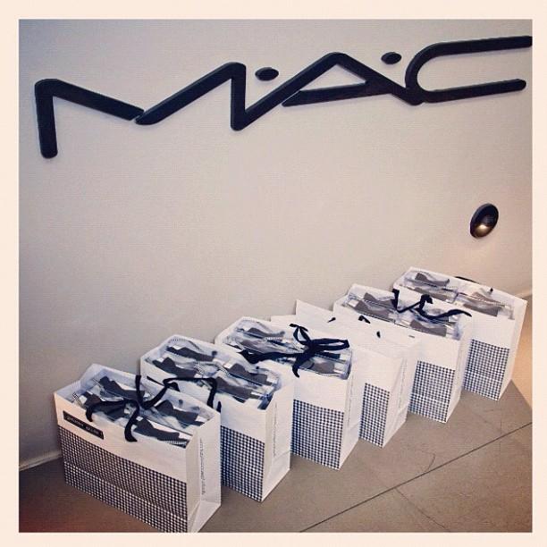 "GAC blog : GAC * MAC cosmetics "" glamour daze "" Holiday 2012 campaign .. Read more here http:// gregoryallencompany.com/blog #gregoryallencompany #gac #bowties #glamourdaze #maccosmetics – via Instagram"