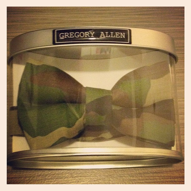 Holiday gift ideas : camouflage women bow tie.. #bowties #gregoryallencompany #gac #holidaygiftideas #women #Camouflage - via Instagram