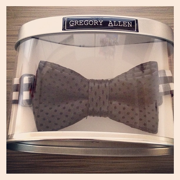 GAC : Boys black leather bow tie - spring 2013 #leather #parentingmag #gregoryallencompany #gac #bowties #spring2013 #boys - via Instagram