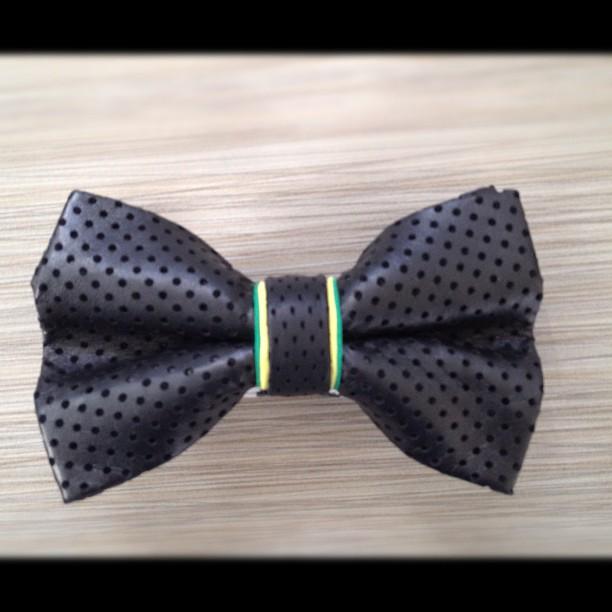 GAC : Bespoke bow tie ( Jamaica) #bowtie #gregoryallencompany #gac #leather #jamaica - via Instagram