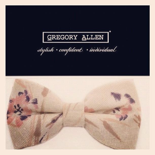 GAC : The Elizabeth bow tie ... Coming soon spring2013 #womenwear #gregoryallencompany #gac #spring2013 #bowtie - via Instagram