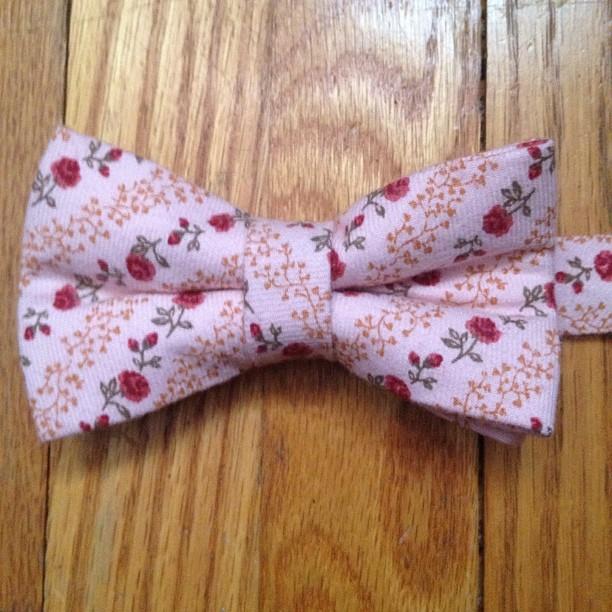 GAC: Women's bow tie - spring 2013 #bowtie #gregoryallencompany #gac #women #flowers - via Instagram