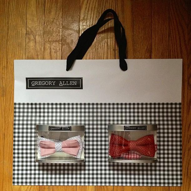 GAC : Bespoke Women's bow tie - www.gregoryallencompany.com #gac #gregoryallencompany #bowtie #bespoke #women - via Instagram