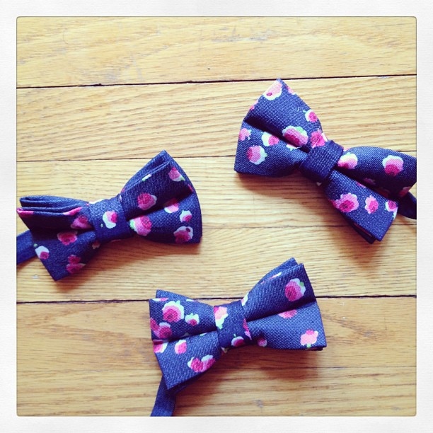 GAC : women's Ivy Denim bow tie .gregoryallencompany.com  #ivydenim #gregoryallencompany #bowties - via Instagram