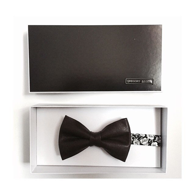 Redefine Expectations – One detail at a time-Gregory AllenBespoke bow tie @ gregoryallencompany.com/bespoke #bowties #gacbowtie  #bespoke #leather #italiansilk #flowers #toronto #gift #mensaccessories #madeincanada #mensstyle #motivation #coolbowties  #collection #fashionbloggers  #necktie #suitandtie #mensfashionbloggers #fashionblog #gentlemen #gq #menswear #hipsters #womenswear #womenaccessories #womenfashionbloggers – via Instagram