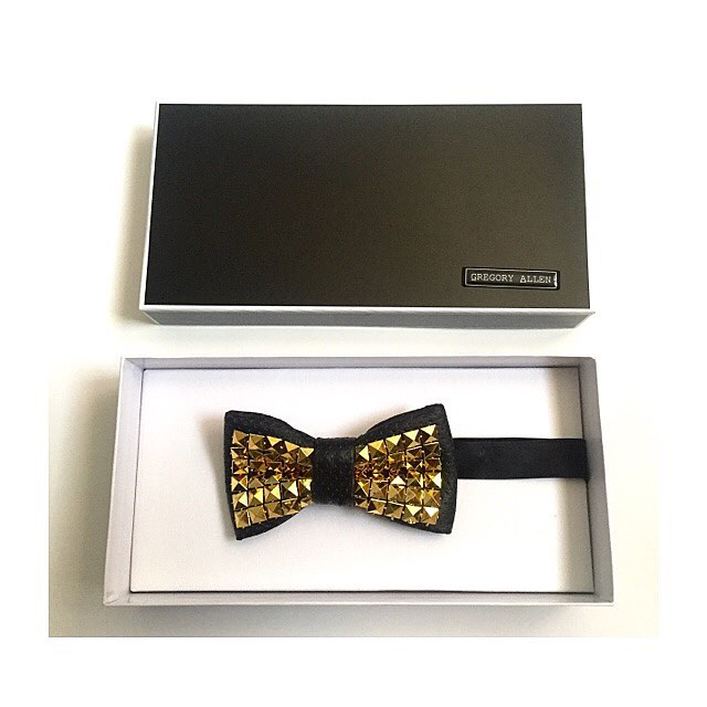 The gift for him:  Bespoke graduation Gold and Black  bow tieGregoryallencompany.com/bespoke#bowtie #black #gold #graduation #bespoke #leather  #gacbowtie  #toronto #gift #mensstyle #madeincanada #mensaccessories #mensstyle #womenstyle #motivation #coolbowties  #collection #fashionbloggers  #necktie #suitandtie #mensfashionbloggers #fashionblog #gentlemen #gq #menswear #hipsters  #concept #ootd #gentlemen – via Instagram