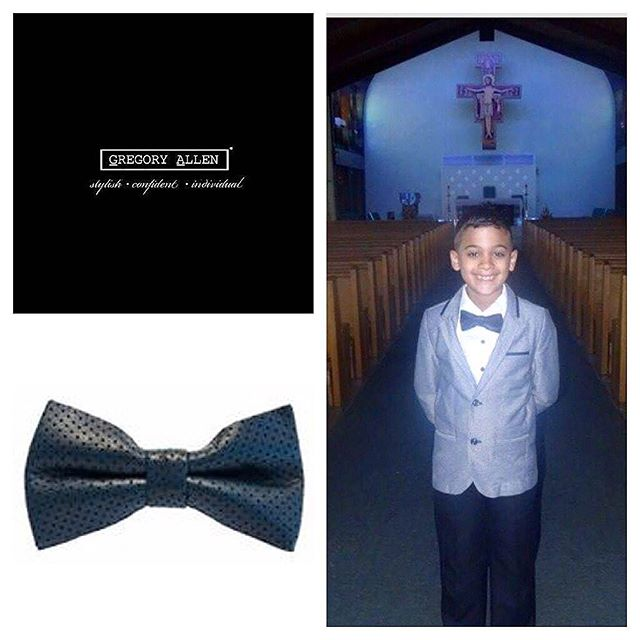 The gift for Him :  The  boys  bespoke perforated  navy blue bow tieGregoryallencompany.com#bowtie  #madeincanada #firstcommunion #kids #boys#mensaccessories #mensstyle #womenstyle #motivation #coolbowties  #collection #fashionbloggers  #necktie #suitandtie #mensfashionbloggers #fashionblog #gentlemen #gq #menswear #hipsters  #concept #ootd #gentle – via Instagram